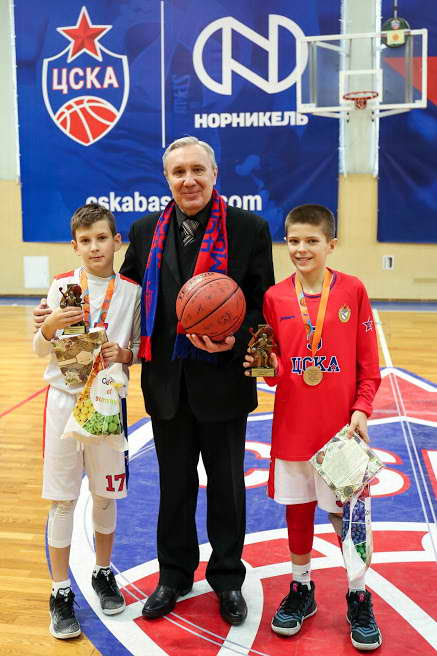 Андрей Шацков с героями турнира. Спасибо. ребята.